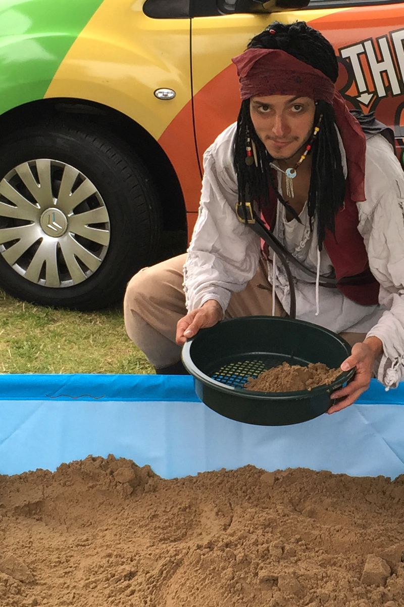 Pirate Gold Digging with Pirate Entertainer available from The Joker Entertainment. A great participation activity in the Midlands, Boston, Sleaford, Lincolnshire, Lincoln, Newark, Nottinghamshire, Rutland, Northampton, South Yorkshire, have a go