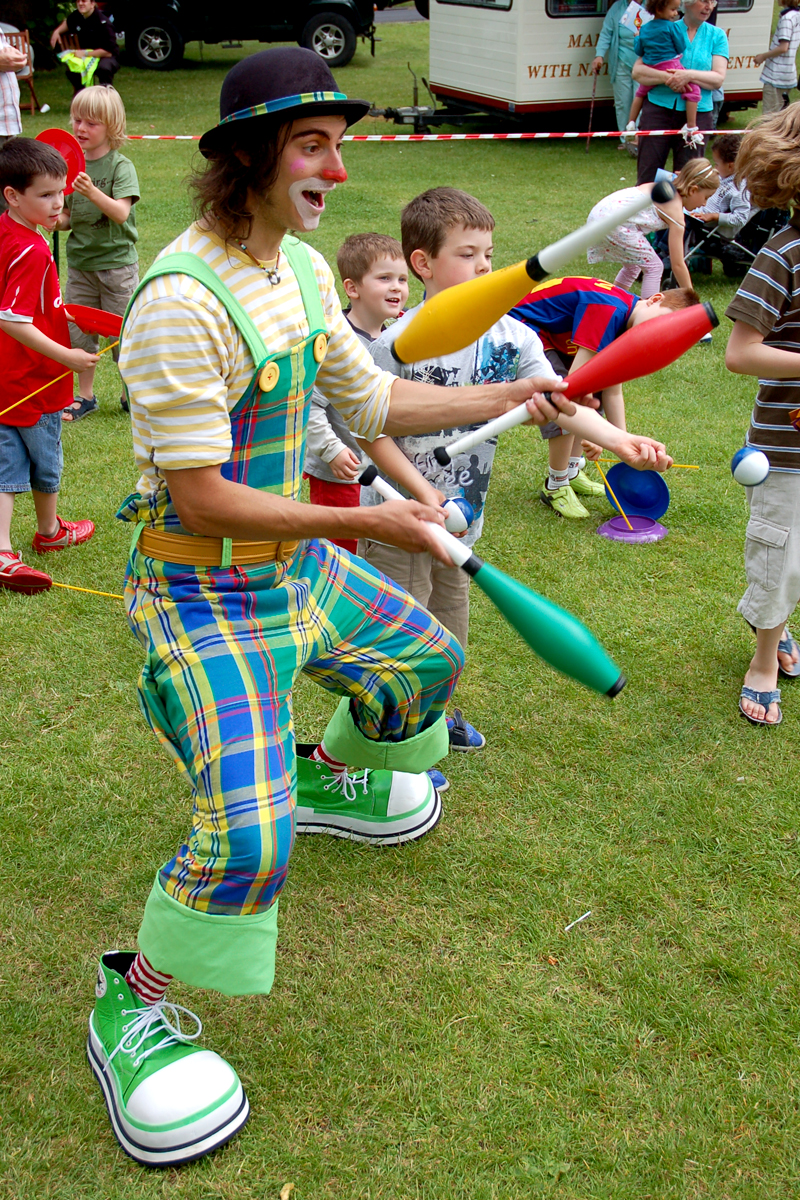 Classic Circus Workshop, learn the art circus skills available from The Joker Entertainment. Equiptment including juggling balls, juggling clubs, flower sticks, diablos, spinning plates and poi. A great participation activity in the Midlands, Boston, Sleaford, Lincolnshire, Lincoln, Newark, Nottinghamshire, Rutland, Northampton, South Yorkshire, have a go