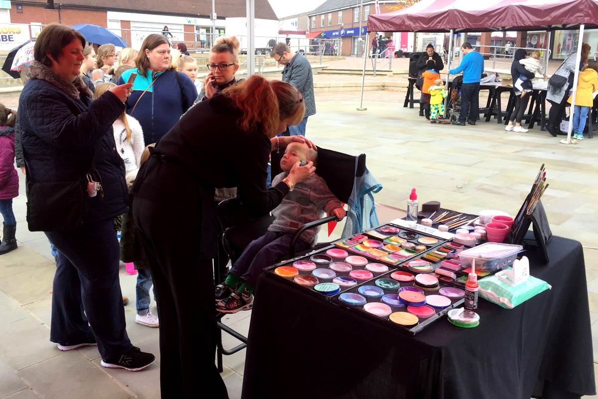 Face painting from The Joker Entertainment available at public events and private parties, birthday parties and weddings in the midlands, Nottingham, Rutland, Leicestershire, Lincolnshire, Sleaford, Newark