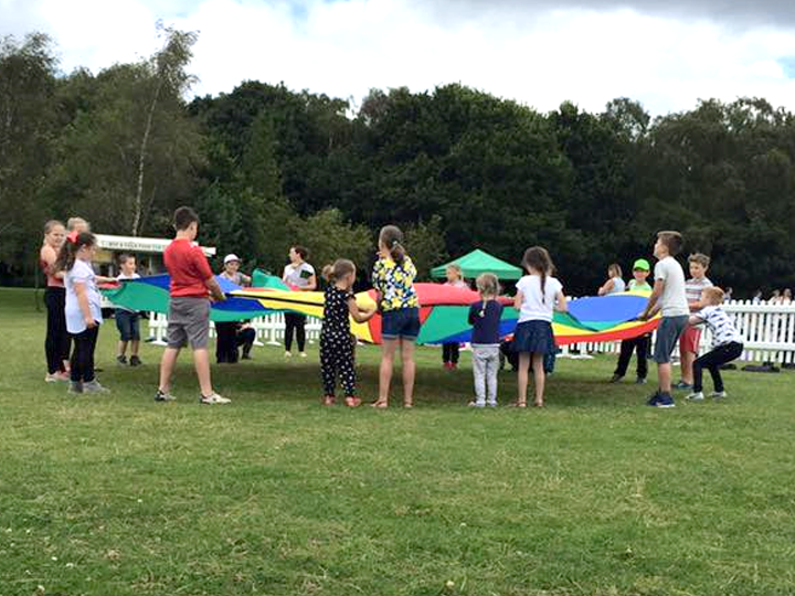 parachute games, traditional party games, participation activity Boston, Sleaford, Lincolnshire, Lincoln, Newark, Nottinghamshire, Rutland, Northampton, South Yorkshire, have a go
