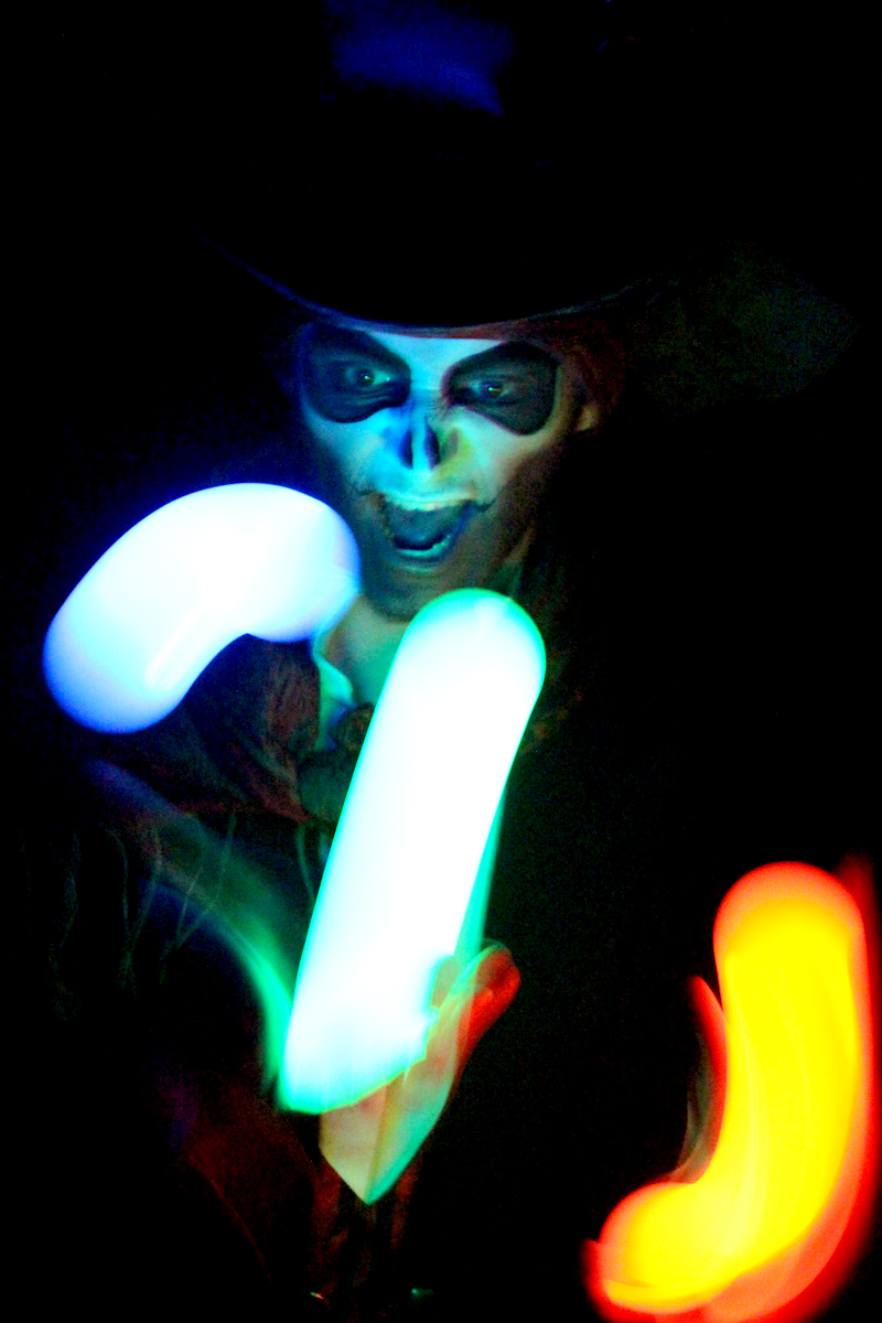 Glow Entertainers The Joker Entertainment providing circus entertainment, circus skills, stilt walking, balloon modelling, participation activity's and face painting in the Midlands, Nottinghamshire, Yorkshire, Leicestershire, Lincolnshire, Chesterfield, Wingerworth, Matlock, Derbyshire